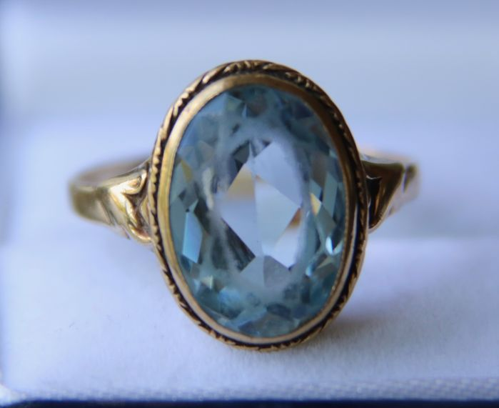 Art Nouveau ca. 1900 Large german antique gold ring set with a 5,70ct Spinel **No Reserve**