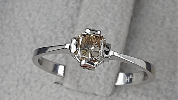 0.55 carat VVS-VS Radiant Cut Diamond Solitaire Engagement Ring in Solid White Gold 14K - size 7