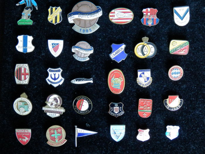 Collection of 30 old football pins - partly Enamel