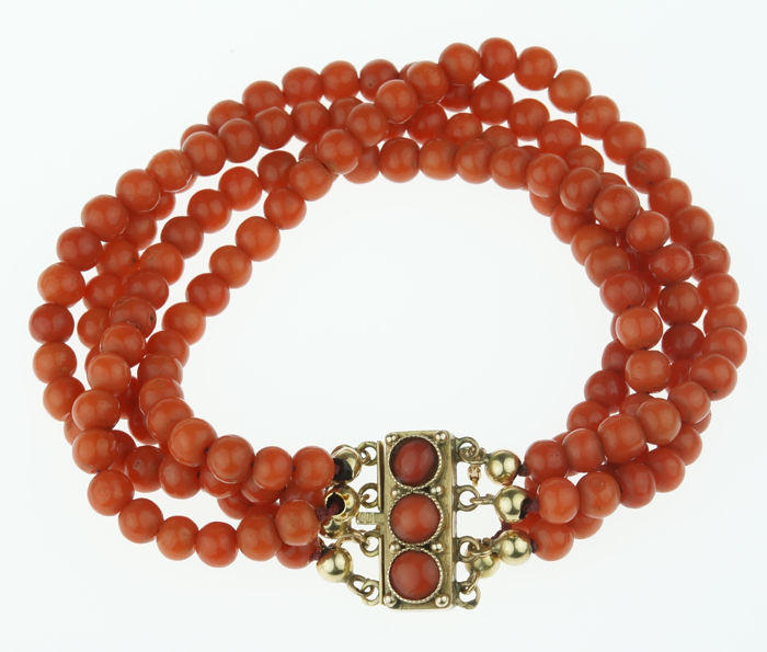 Four-strand traditional Dutch red coral bracelet with a 14 kt gold clasp