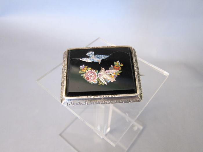 Grand Tour - Brooch with Micro Mosaic - two love doves - Italy - late 19th century - In silver setting with brooch ring