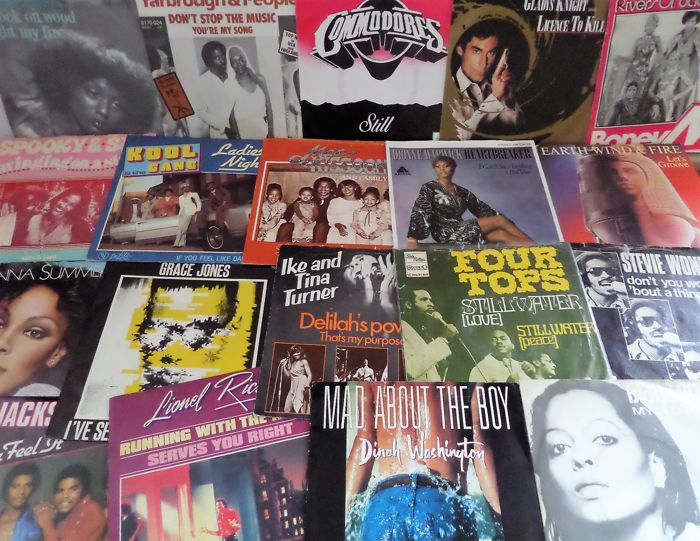 Lot of 40 singles Soul Music: Supremes, Stevie Wonder, Four Tops, Kool and the Gang, Grace Jones and many others.