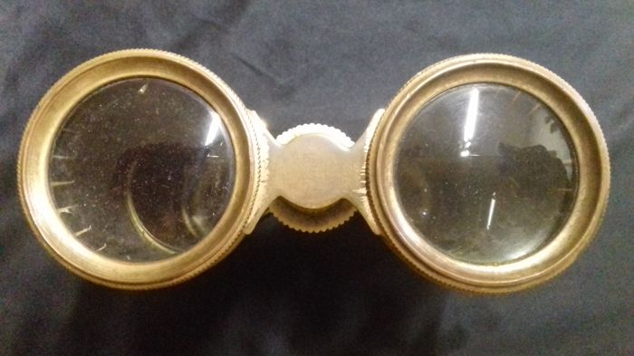 Dating opera glasses