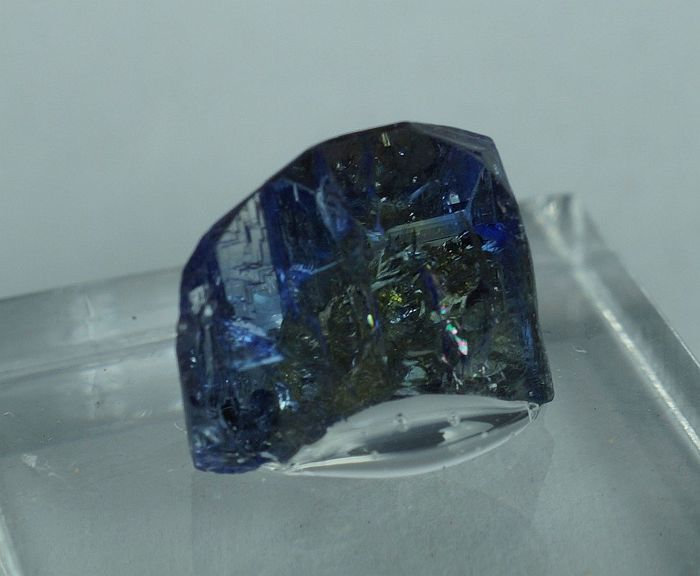 Tanzanite (variety of zoisite) well terminated crystal with deep color on stand - 1,0 x 0,7 x 0,5 cm - 3,36 g with stand
