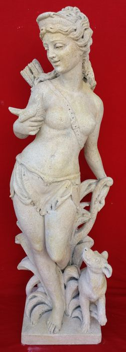 Sculpture depicting Goddess Diana - H 108 cm - Vicenza stone - Second half 20th century
