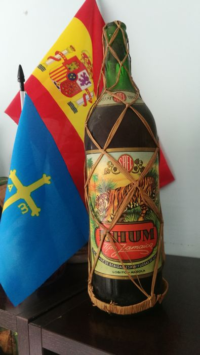 1. Old bottle of Rhum Tipo Jamaica - Lobito Angola - 1. litre - 1940s period