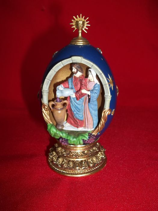 "House of Fabergé - ""Water into Wine"" - A Nativity Collector Egg - Limited Edition - Marked - Very good condition."