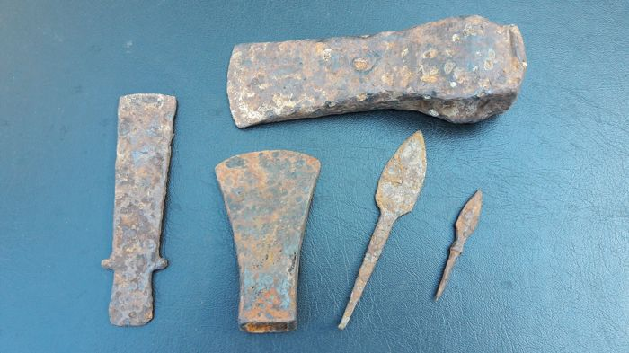 Prehistoric, Iron Age Iron Steel Arms Collection - 7 - 16 cm
