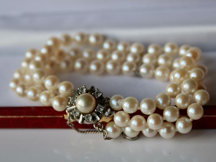3-row Antique pearl bracelet with genuine Japanese Akoya saltwater pearls in cream rose colour and white gems **No reserve**