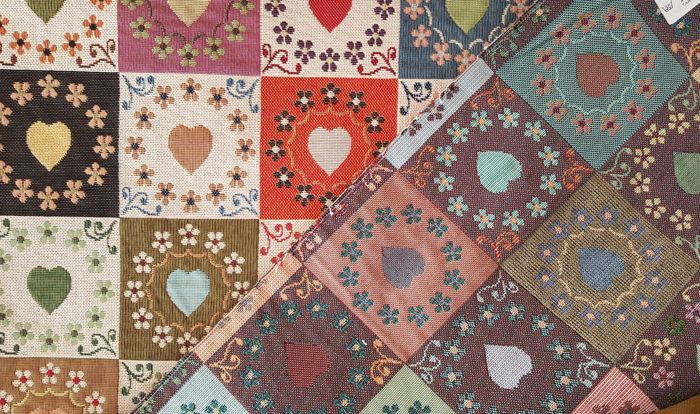5.50 meters !!! very fine gobelin fabric, fantasy with hearts of various colors, vintage effect. - cotton blend - Late 20th century