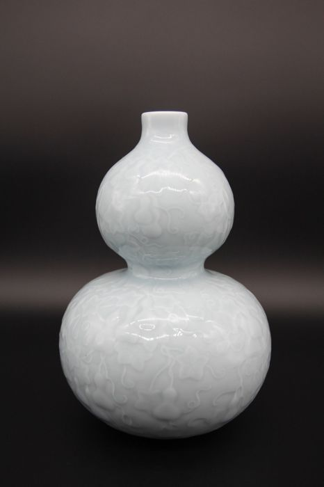 A very beautiful gourd vase - China - late 20th century