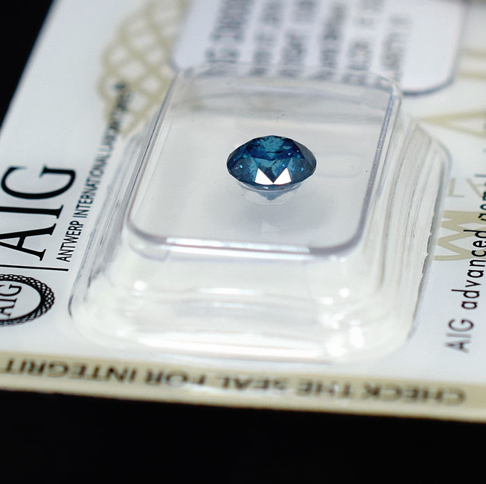 Fancy Deep Blue Diamond - 0.90 ct