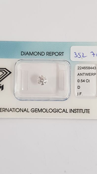 Brilliant-cut diamond of 0.54 ct D I.F