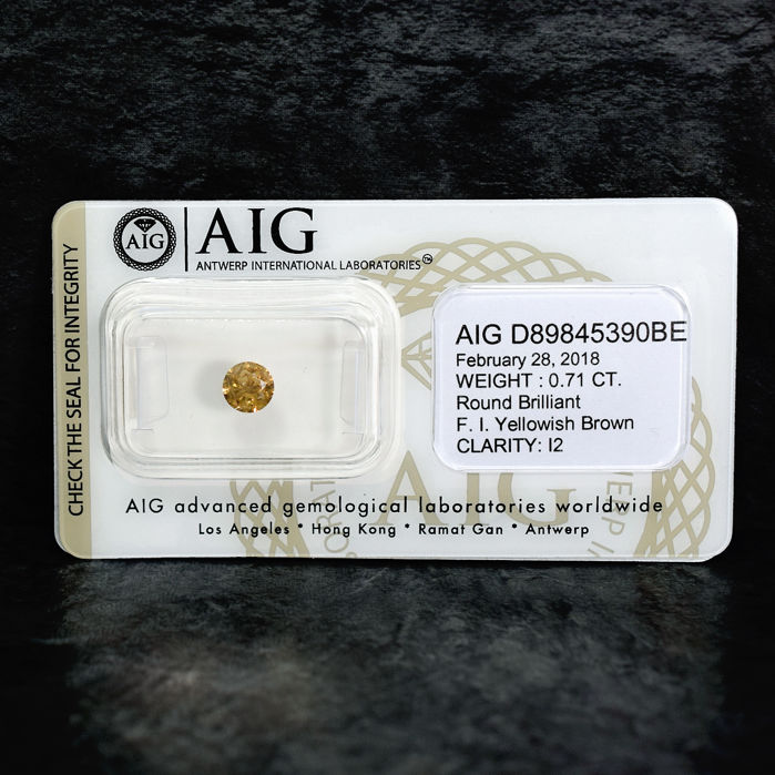 Natural Fancy Intense Yellowish Brown Diamond (Champagne) - 0.71 ct, NO RESERVE PRICE