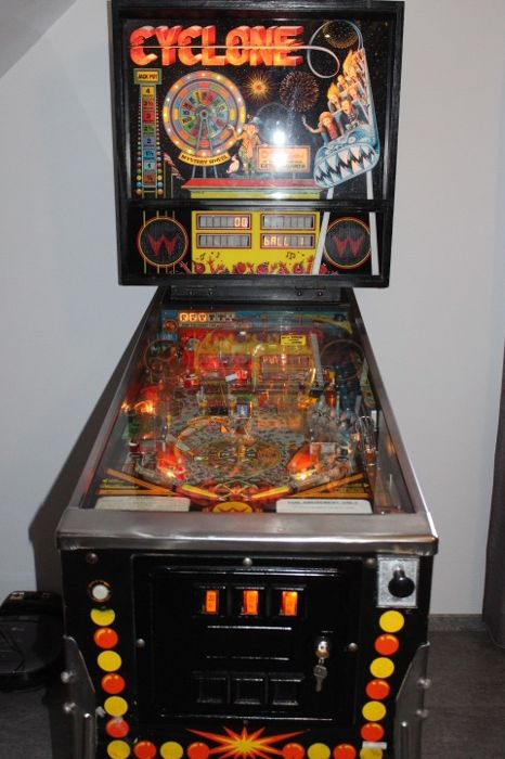 WILLIAMS CYCLONE electronic pinball machine