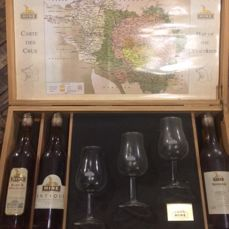 Hine Cognac: 3 bottles (20cl) in original wooden box