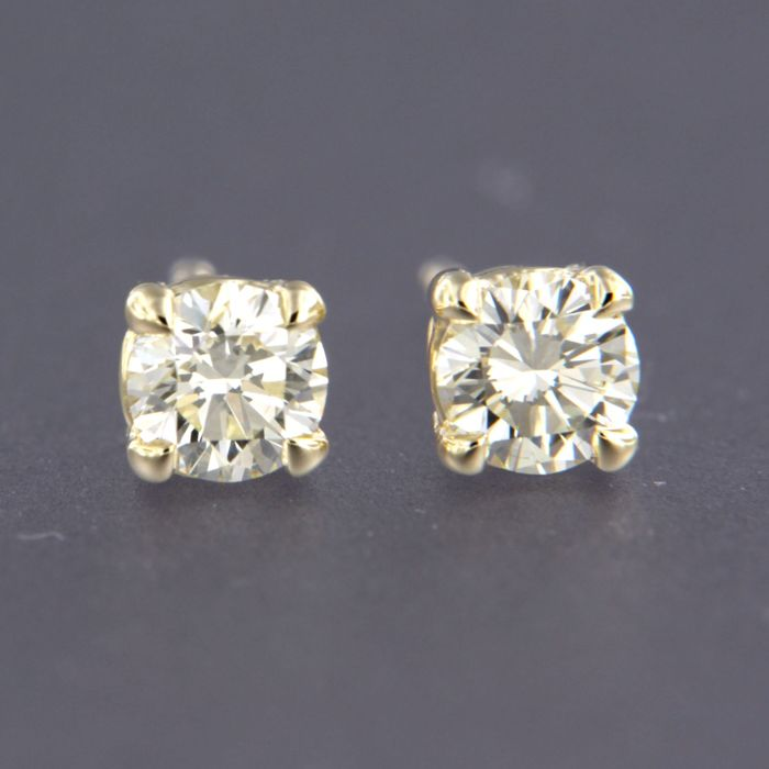 - no reserve price - 14 kt yellow gold ear studs set with brilliant cut diamond of approx. 0.70 ct in total