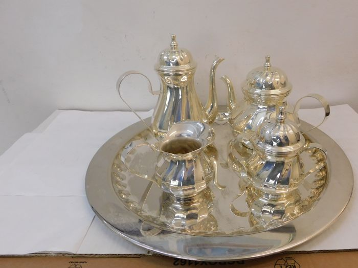 Silver plated Set with tray, sugar bowl, milk jug, coffee and tea maker - Italy, 1980s