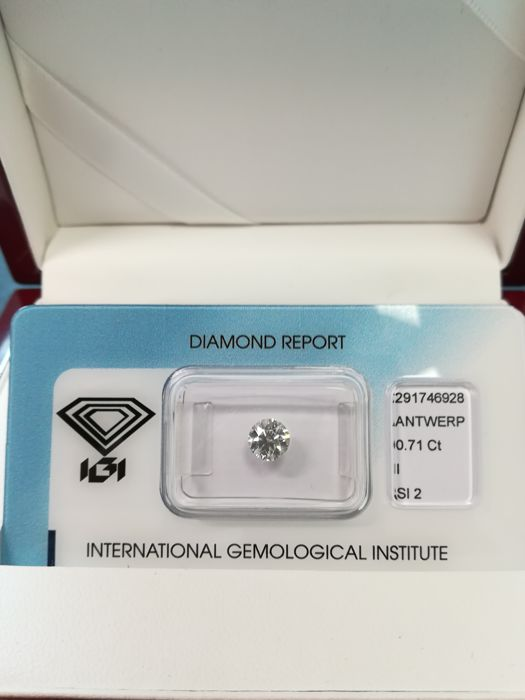 Natural Diamond 0.71 I SI2