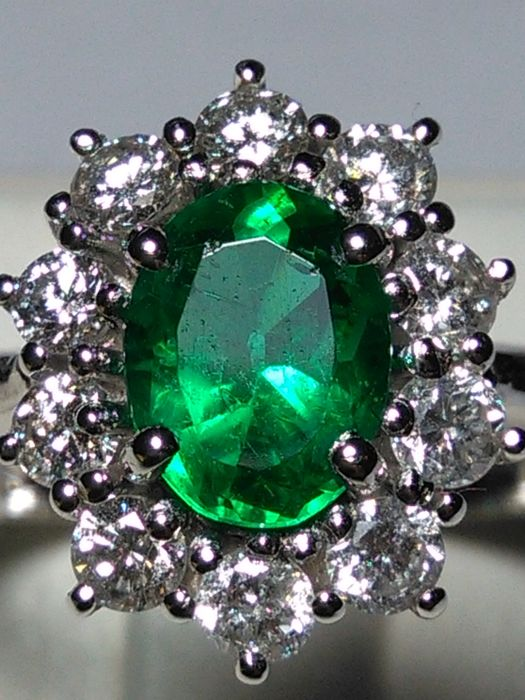 18 kt. White gold - Ring Emerald - Diamond