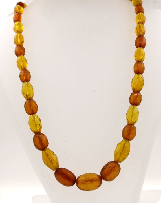 Amber necklace with clasp made of 585 yellow gold - length: 55 cm