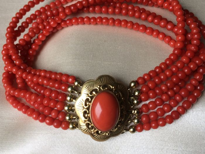 Antique Bracelet with 6 strands of 100% Natural Warm Colour Precious Coral and a Large Pristine Gold Clasp With a large Precious Coral of 1.4 cm