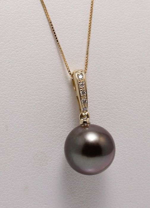 11mm Round Dark Tahitian Pearl Crafted in 14K YG with 0.04Ct Diamonds - No Reserve Price