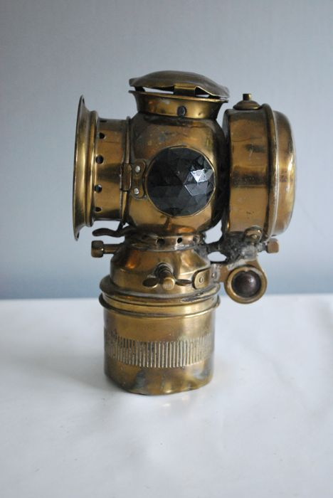 Original gold-coloured carbide lamp (bicycle lamp), Netherlands, period early 1900s