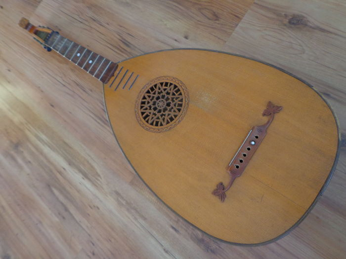 Old lute with beautiful rosette, probably made ca. 1900