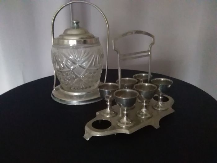 Set of candy box and set of egg cups, silver-plated / France / 1920