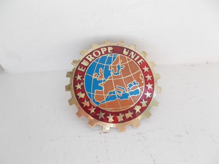 Badge - EUROPE UNIE  vintage brass car badge with fixings  - 1957-1965 (1 items)