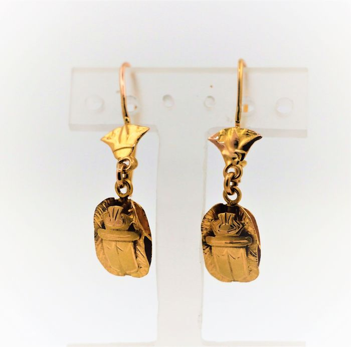 18 kt yellow gold earrings with scarab earrings - size: 35 x 9 mm