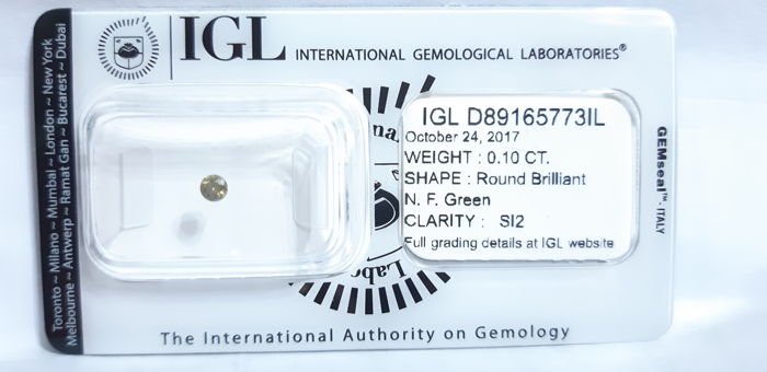 !NO RESERVE PRICE! - IGL Diamond Cert 0.10ct - Natural Fancy Green SI2