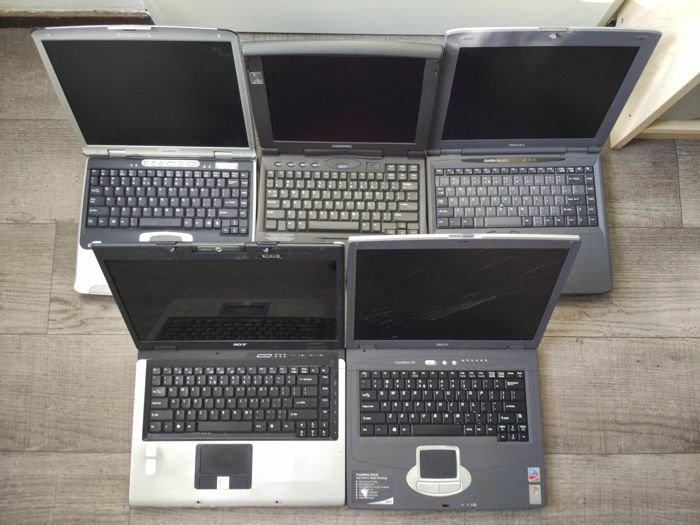Lot of 5 vintage notebooks -  Toshiba Satellite, Compaq Armada, Acer Travelmate, etc