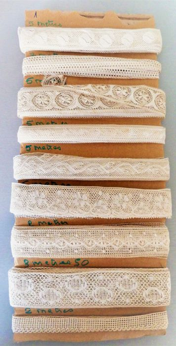 Great old handmade lace - Cotton and silk