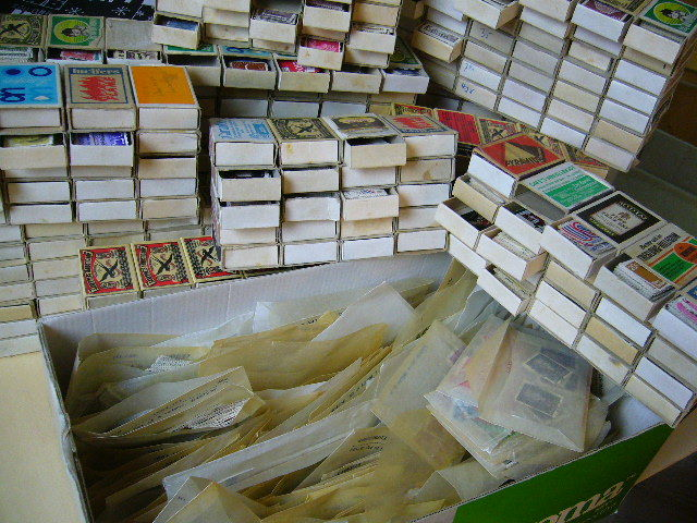 World - Party - of thousands of stamps in matchboxes and bags