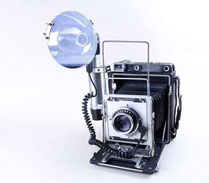 College freshman dating junior