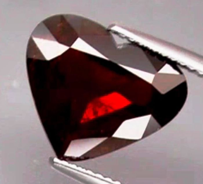 Spessartite Garnet – 7.13 ct  – No Reserve Price