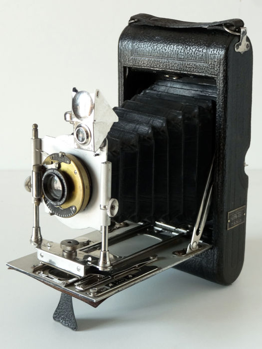 Folding Photo-Hall large format rollfilm 118 (Environ 9x12) Pneumatic shutter Rectilinear lens