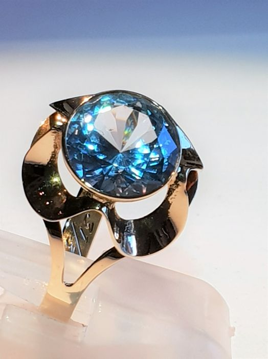 Big size womens gold ring set whit topaz 3,70 ct. NO RESERVE !