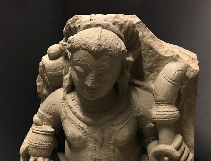 Sculpture - Pierre - Sitting Kubera - Sculpture - Stone - (45 cm) - India - 10th century - Inde - Xe siècle