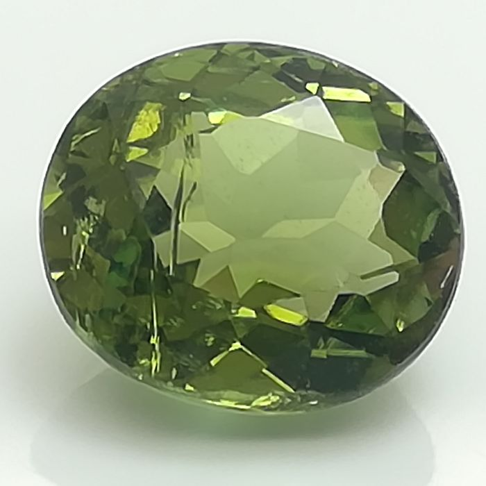 Green Tourmaline - 2.6 ct