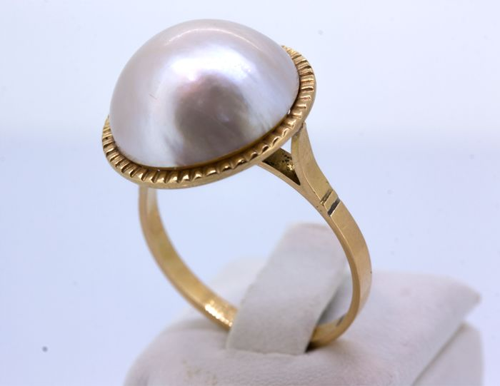 Cocktail ring gold 18 kt with Japanese pearl 15 mm