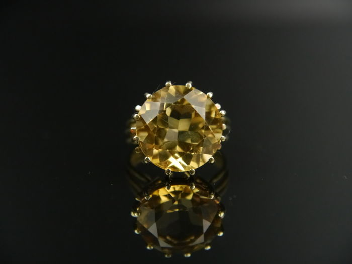 Vintage cocktail women's ring, gold ring with a citrine (round cut) approx. 11.0 ct, 585 gold