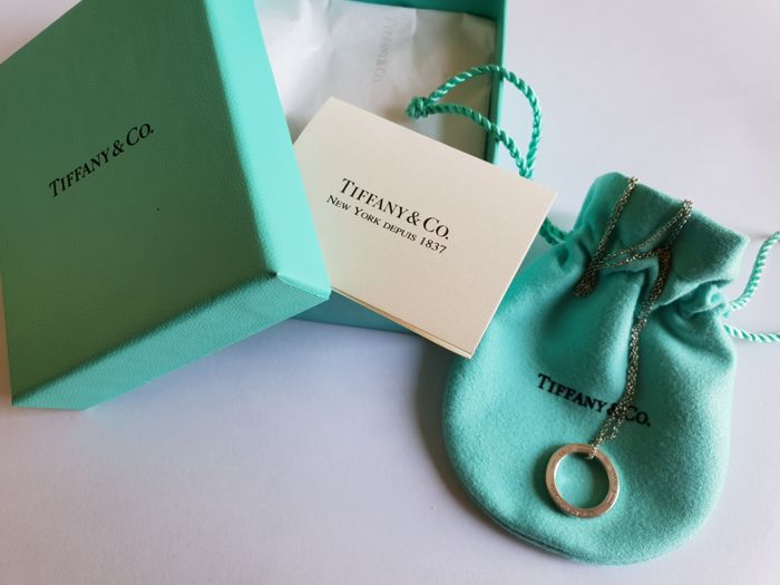 TIFFANY & CO necklace with pendant in 925 silver Circle pendant from 1837 collection  Chain length 41 cm, circle 1.8 cm
