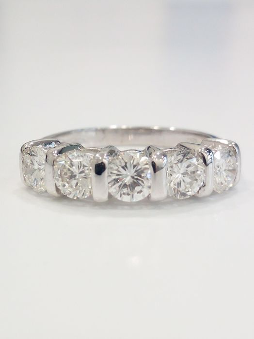 Made in Italy, 18 kt white gold ring with diamonds - Size: 13.5 mm
