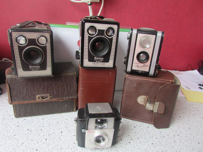 Lot of 4 box cameras