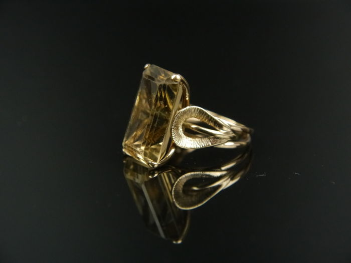 Vintage cocktail women's gold ring with a citrine (octagonal cut) approx. 15.0 ct, 585 gold