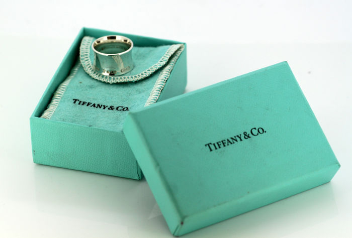 """Tiffany & Co - Sterling Silver """"1837"""" collection unisex ring - Size (UK) = L (US) = 6  (EU) = 51 1/2"""