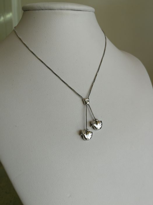 18 kt white gold necklace with double dove pendant and diamonds - Made in Italy - Length: 47 cm